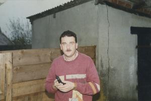 Peter mit seinem ersten Telefon